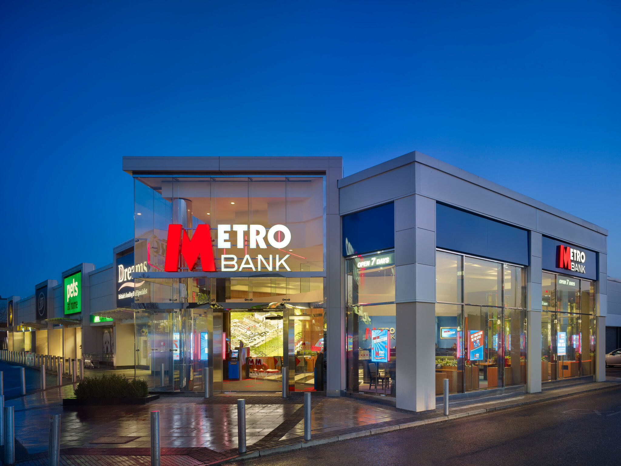 Metro Bank Borehamwood Store